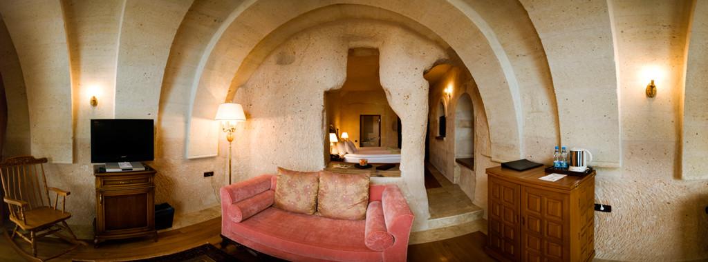 Deluxe Cave Suite Room