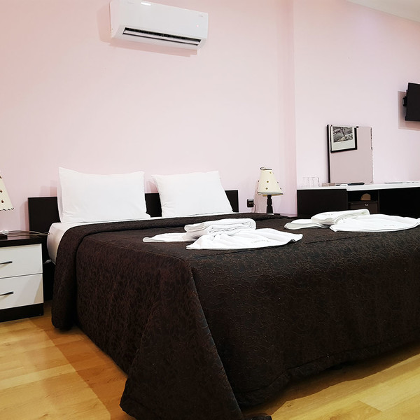 Deluxe Room ( 3 Person)