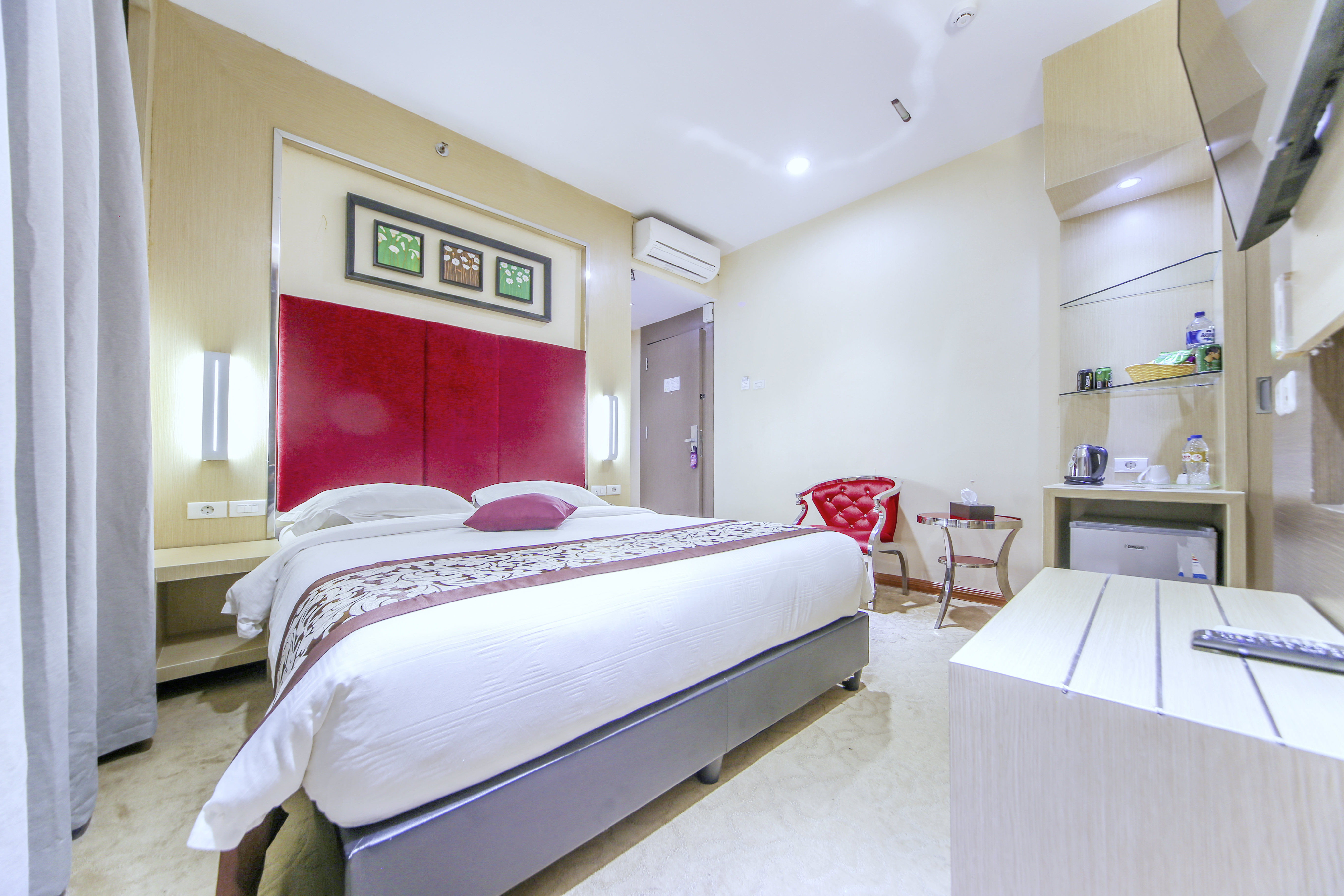 Batam City Hotel Deluxe Room # Meuble Tv Kaorka
